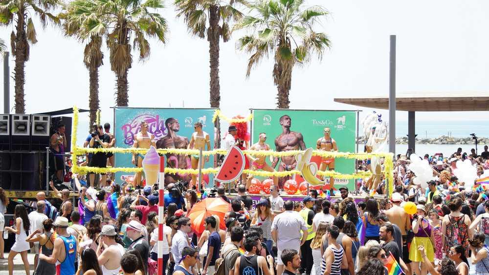 Фотографии красочного гей-парада в Тель-Авиве (39 фото)