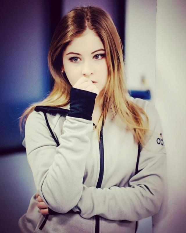 Юлии Липницкой исполнилось 18 лет (9 фото)