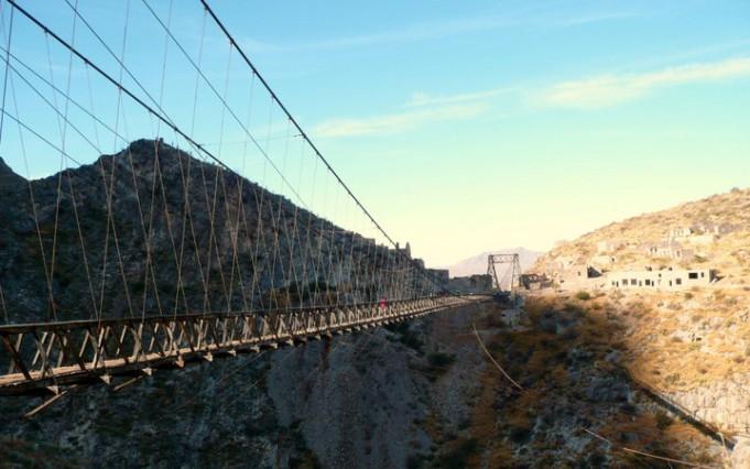 Самые страшные мосты в мире (11 фото)