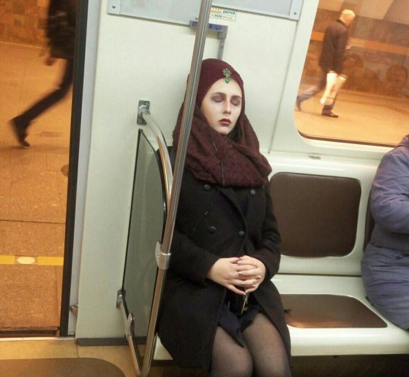 Модники из российского метрополитена (36 фото)