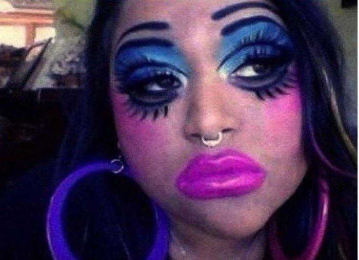 Неудачи с макияжем (22 фото)