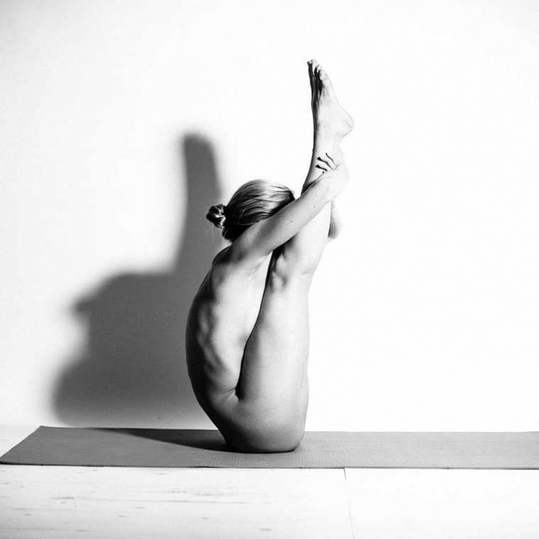 Pictures of naked yoga poses