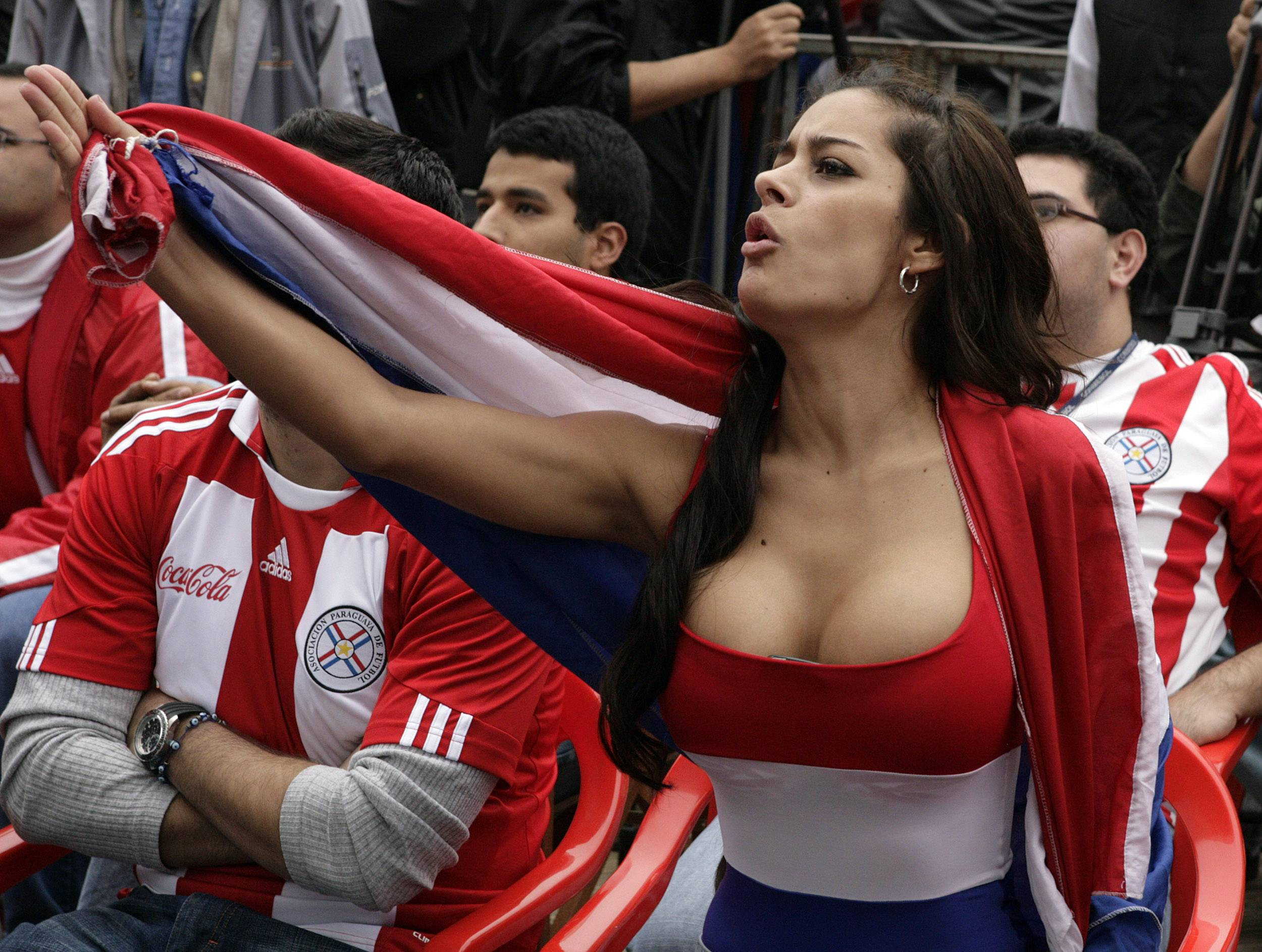 Erica fontes and jasmine jae on world cup uk team tits