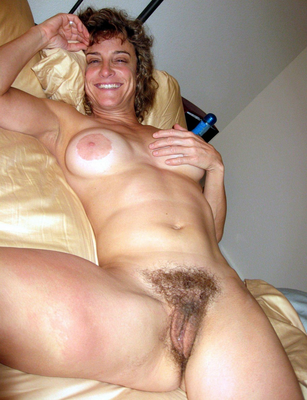 Amateur hairy mature women