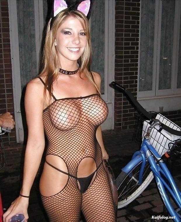 sluty-halloween-costumes-nude