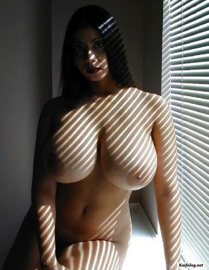 Light skin black girl big boobs