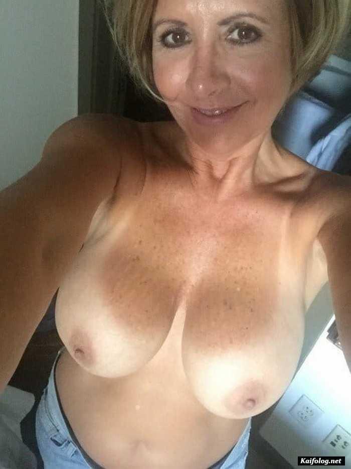 Obedient Mature Selfies Big Tit Amateur Pic 1