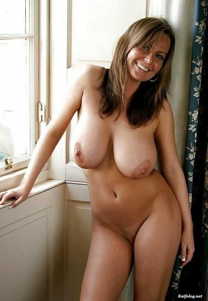 Beautiful mom topless free online porn