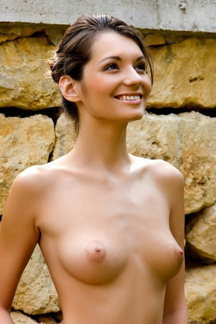 Nude Women With Small Chest